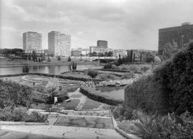 Le Torri delle Finanze e la sede dell'E.N.I. viste dal Giardino delle Cascate, 1965 ca