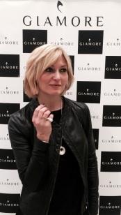 Chiara Conti con i gioielli Giamore